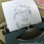 Typemachine met portret opgebouwd uit de letters van Annie MG Schmidt